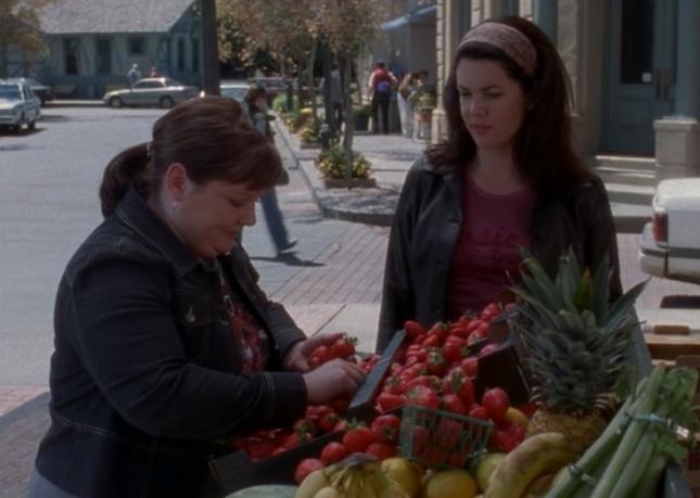 Sookie Strawberry Scene (Gilmore Girls Episode 3, Kill Me Now, Season 1)