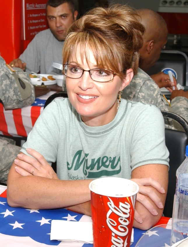 Sarah Palin With US Troops In Kuwait