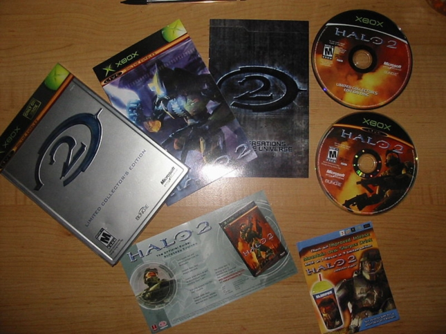 Halo 2 Xbox1 Limited Edition Set With Bonus Material