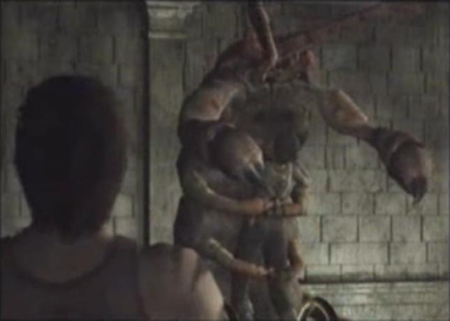 Resident Evil 0 Giant Centipede Boss Hugs Rebecca Screenshot