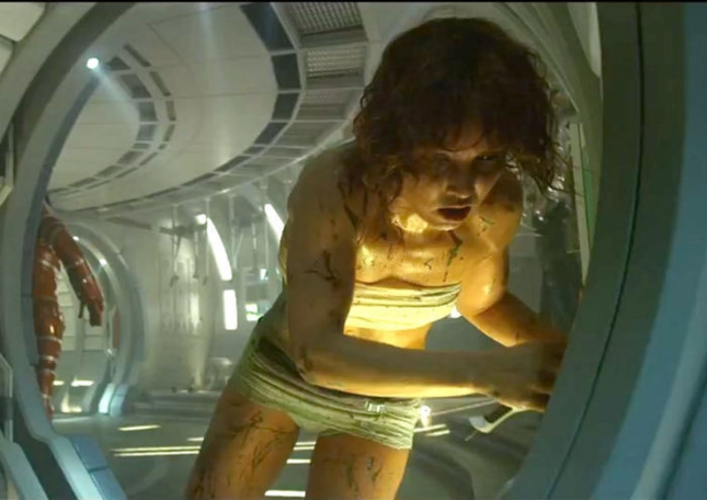 Sigourney Weaver-like Shaw. Prometheus Cute Girl Screenshot