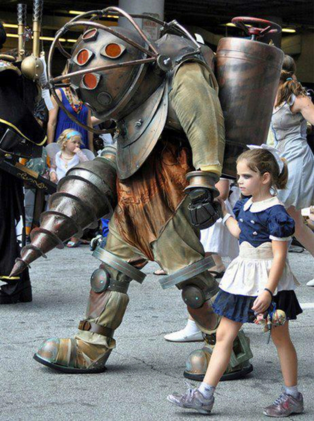 Epic Big Daddy Little Sister Cosplay Bioshock